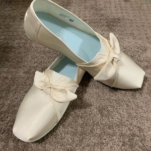 Toms Ivory Grosgrain Bow Classic